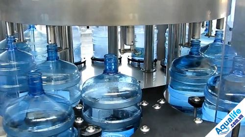 Mở dây chuyền sản xuất nước đóng bình cần những gì
